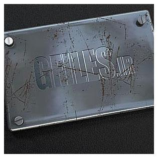 دانلود موکاپ لایه باز نمایش لوگو روی قطعه فلزی کثیف