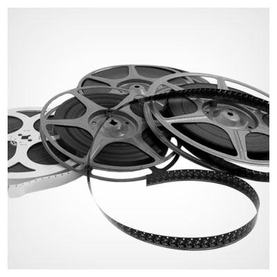 عکس با کیفیت از نوار و رول فیلم سینمایی (Film reel on a white background)