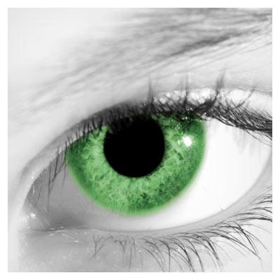 عکس با کیفیت از چشم ، مردمک و لنز سبز