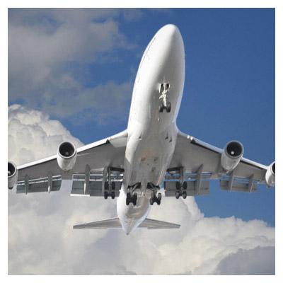 پرواز هواپیما در آسمان