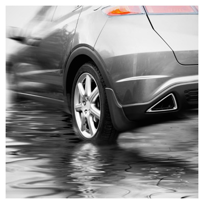 ماشین در باران