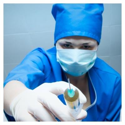 پزشک و سوزن