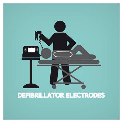 فایل وکتور پزشک در حال اتصال دستگاه الکتروشوک به بیمار