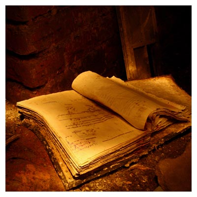 عکس رایگان کتاب جادویی و قدیمی با کیفیت بالا