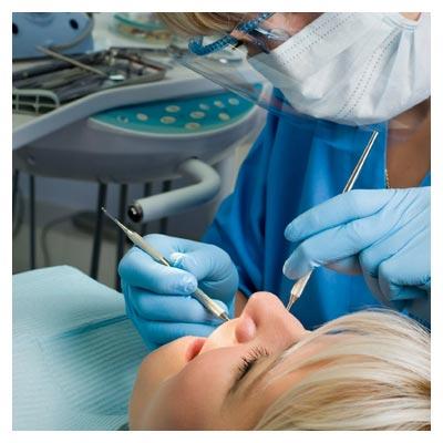 دانلود تصویر با کیفیت دندانپزشک و جراح دندان با فرمت JPG