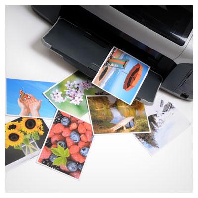 عکس های رنگی چاپ شده توسط یک پرینتر به شکل های مختلف زیبا