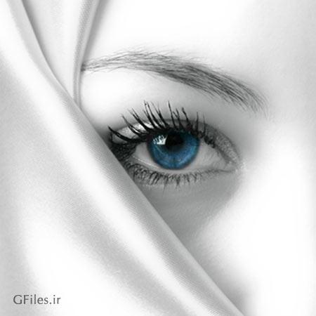 عکس نیمه صورت یک دختر محجبه با روسری سفید رنگ