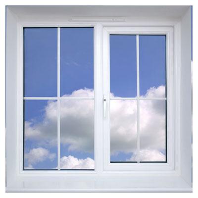 عکس احساسی پنجره در آسمان در کنار ابرهای سفید به صورت مفهومی