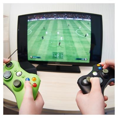 عکس رقابت فوتبال دستی بین دو نفر در بازی سگا
