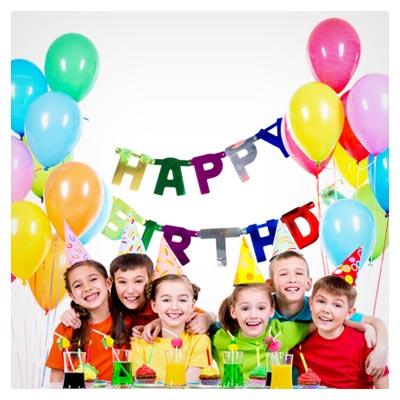 عکس کودکان خوشحال و کیک و بادکنک ها در جشن تولد
