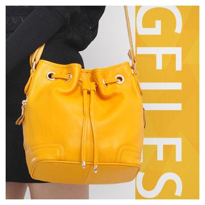 بنر ثابت تبلیغاتی با موضوع فروشگاه کیف زنانه با تم رنگی نارنجی
