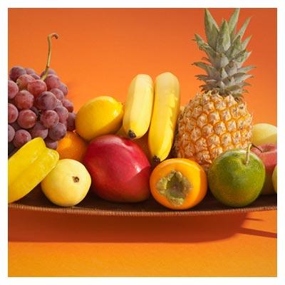 دانلود تصویر با کیفیت ظرف میوه های آناناس و انگور و سیب و موز و گلابی
