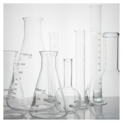 دانلود تصویر با کیفیت ارلن مایر و لوله های شیشه ای استوانه ای آزمایشگاهی