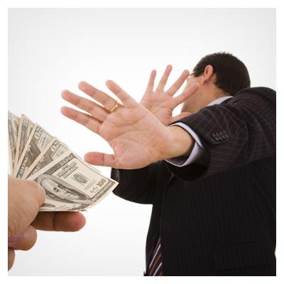 دانلود رایگان تصویر امتناع مرد از گرفتن پول و رشوه ارائه شده با پسوند jpg